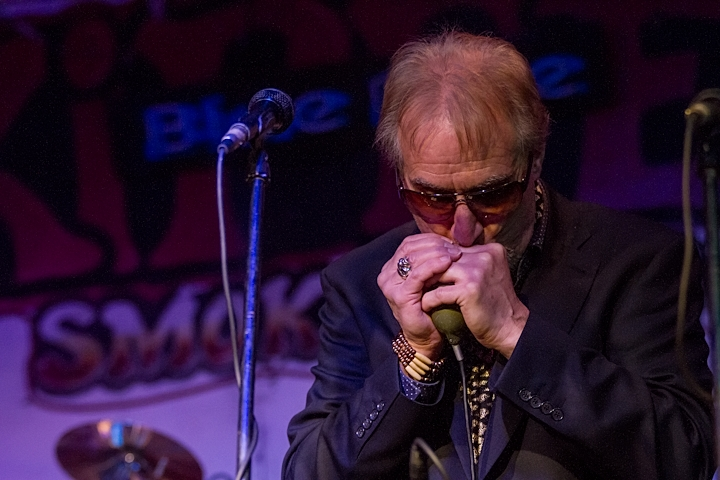 Roger of Blues Business UK on Soulful Blues Harp in Concert Skippers Smokehouse USA 2012